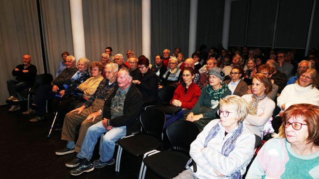 un folto pubblico ha partecipato alla serata